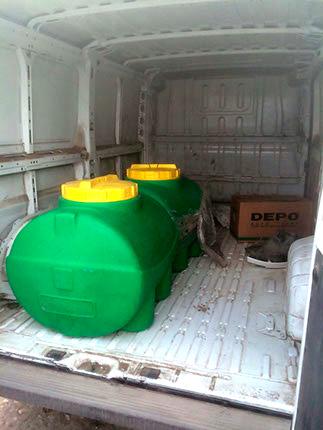 Емкости для перевозки 300 литров